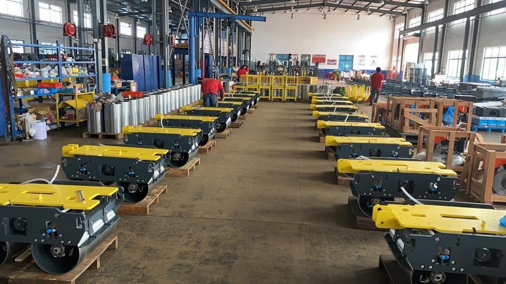 assemblage-rouleaux-compacteurs-usine-paclite-equipment